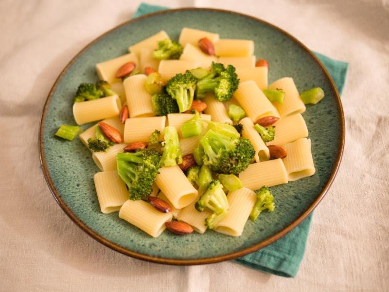 Annvie's - Pâtes aux brocolis et aux amandes