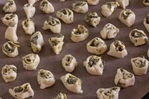 Annvie's - puff pastry rolls with pesto